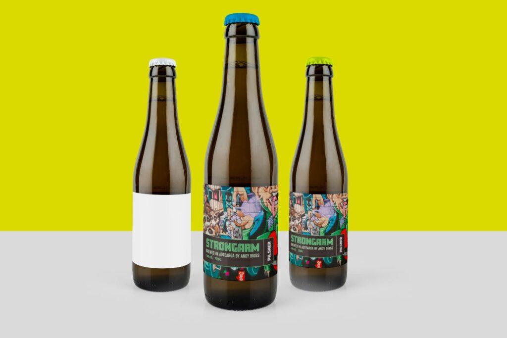 琥珀色精酿啤酒瓶模型样机展示效果图Amber Beer Bottle Mockup插图(2)