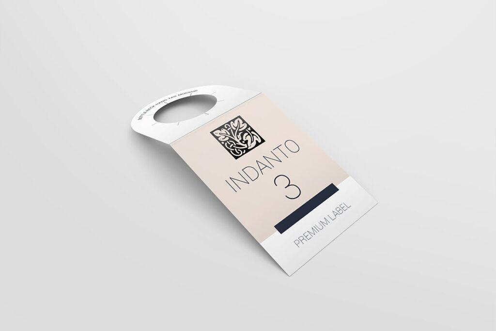 高端红酒标签样机模型效果图Bottle Neck Hang Tag Mockup插图(2)