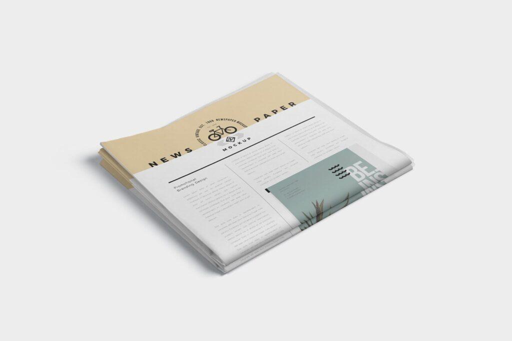 透视角度报纸期刊模型样机效果图Full Page Newspaper Mockups插图(2)