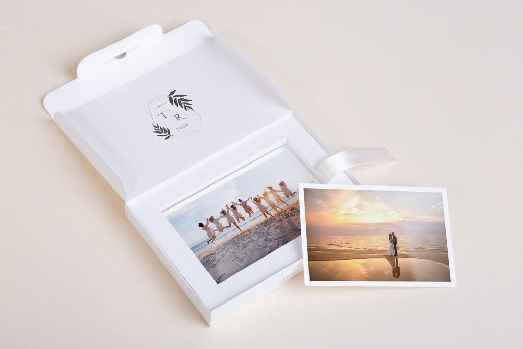 文艺精致旅游纪念相片盒模型样机Photo Box Mock Up P2FNJ8D插图(4)