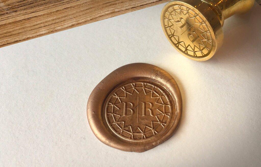 精致文艺蜡印章标志模型样机素材下载Wax Seal Logo Mockup Vol 3插图(1)